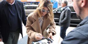 lori loughlin autographs